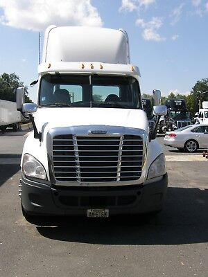 2010 Freightliner Cascadia Daycab