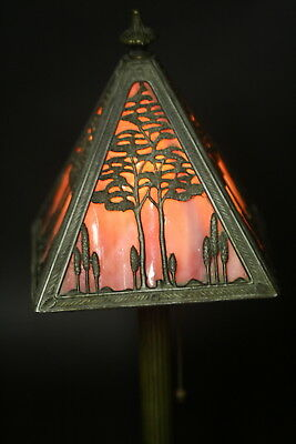Antique Mission Arts & Craft Stained Glass Handel Style Boudoir Table Lamp