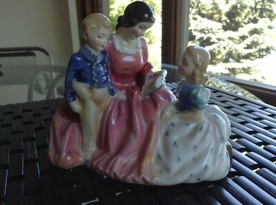 """Royal Doulton Figurine """"Bedtime Story"""" HN 2059 Early Example Mint"""