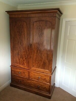 Early Victorian Mahogany Wardrobe c.1860 with two arched panelled doors