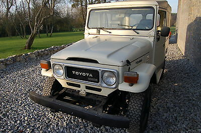 Toyota Land Cruiser BJ46 1983 5 vitesses DIRECTION Assistée  1  OWNER