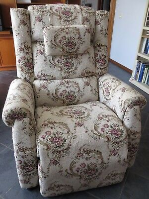 NIAGARA Electric Heated Massage Recliner Chair Model 967-R