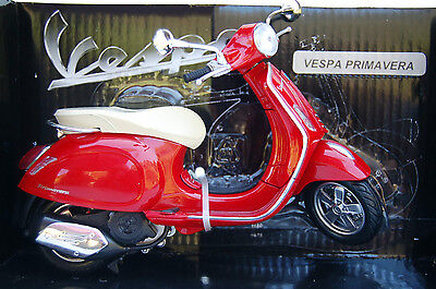 VESPA  PRIMAVERA  1/12th  MODEL  MOTORSCOOTER