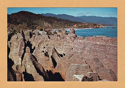 UNUSED RETRO / VINTAGE POSTCARD - PANCAKE ROCKS - NEW ZEALAND SOUTH ISLAND 1980s