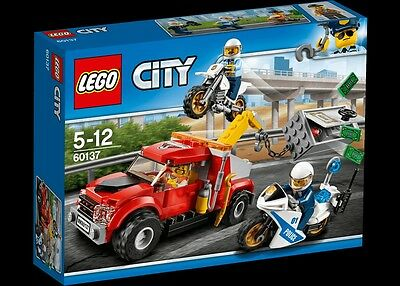 NEW! LEGO City 60137 Tow Truck Trouble - Free Postage