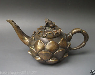Asia Collectible Decorated Old Handwork Copper Carving Lotus Statue Tea Pot Frog