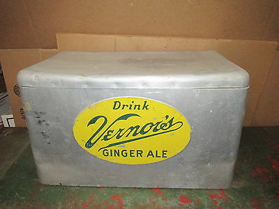 Vintage Vernors Ginger Ale Soda Cooler Soda Bottle Ice Chest Cronstroms (2028)