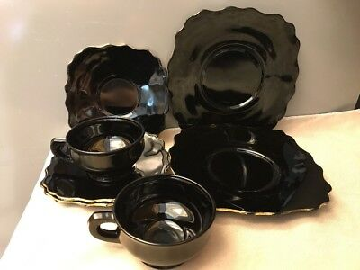 1930s L.E. Smith Black Amethyst Glass 2 Double Shield Cups 3 Saucers & 2 plates