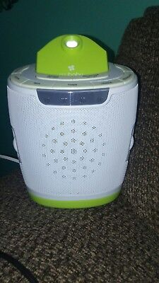 HoMedics MyBaby SoundSpa Lullaby Sound Machine And Projector (White and Green)