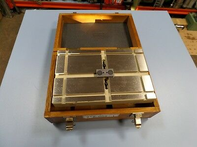 Mitutoyo 218-002 surface plate rugged table