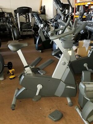 Life Fitness CLSC (Classic) Commercial Upright Bike