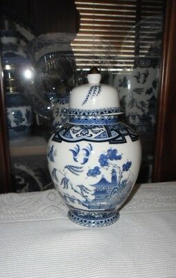 Blue Willow Ginger Jar