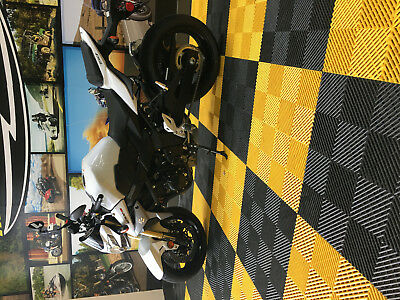 2016 Suzuki GSX-S  uzuki 750 GSX-S 2016 Black, Grey and White Great Condition