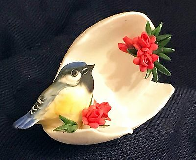 Lovely Capodimonte Baby Blue Bird Perched Shell Red Roses Made In Italy Figurine