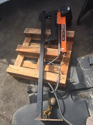 12v swing lift 100kg Lift crane For Truck Or Van  Essex