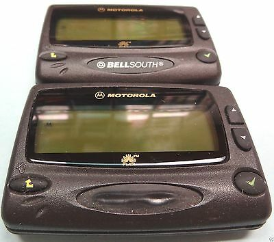 2- Motolola Pf-1500 Pagers. Great For Alpha , Sports, Stocks, News Weather Etc.