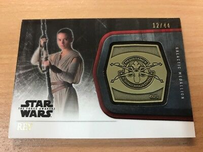 Star Wars The Force Awakens Series 1 Rey 12/44 Gold Medallion Card #M-3