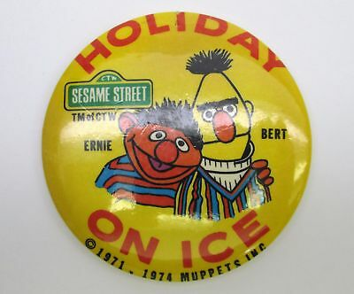 Vintage Sesame Street HOLIDAY ON ICE Muppets 70s or 80s PIN BACK BUTTON pinback