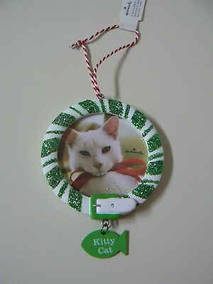 Hallmark KITTY CAT PICTURE FRAME ORNAMENT Photo Holder Green and White Animal