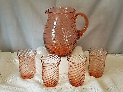 Exquisite Vintage Art Deco Ribbed Coral Jug With Matching Four Glasses.
