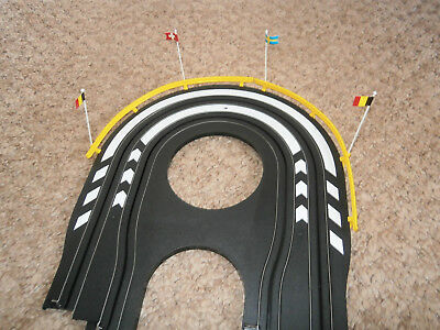 MICRO SCALEXTRIC COMPATABLE TYCO  BARRIERS x 29 PLUS 50 FLAGS