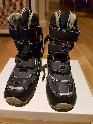 KIDS snow boots boys SIZE 33
