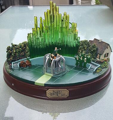 Hawthorne Village Wizard OF OZ Masterpiece  Emerald City Collection