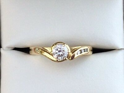 18ct Yellow Gold Diamond Engagement ring Size J