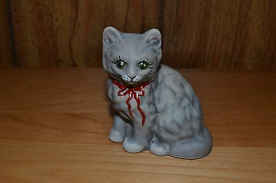 Mosser HP Signed Dove Gray w/ Ribbon Kitten
