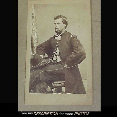 Antique Civil War CDV Photograph Seated Officer Holding Slouch Hat 1st Reg