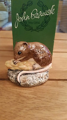 Beswick Harvest Mouse by Martyn Alcock mint and boxed W3397 * Stunning & v rare*