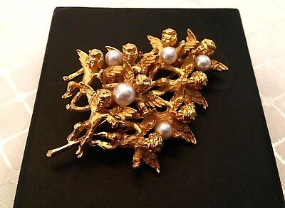 CADORD signed Vintage Brooch Pin Gold Tone