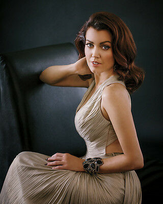Bellamy Young 8x10 Photo 018