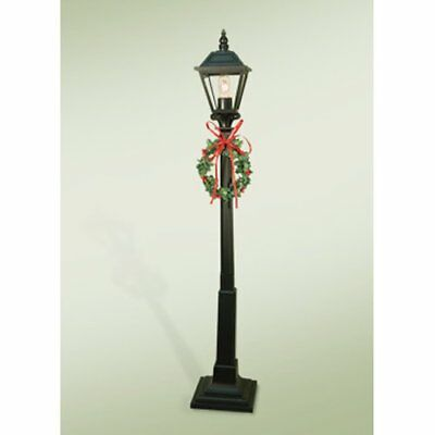 "Byers' Choice ""Decorated Lamp Post"" (622)"