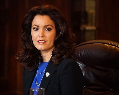 Bellamy Young 8x10 Photo 030
