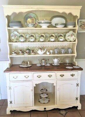 English Superior Quality Dresser