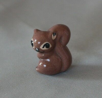 Hagen Renaker Early Retired Squirrel -  bone china miniature ceramic animal