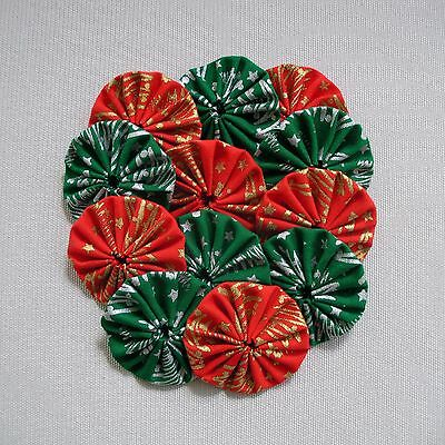 12 x 45mm - Red & Green Fabric Yoyos - Christmas Quilting Applique Scrapbooking
