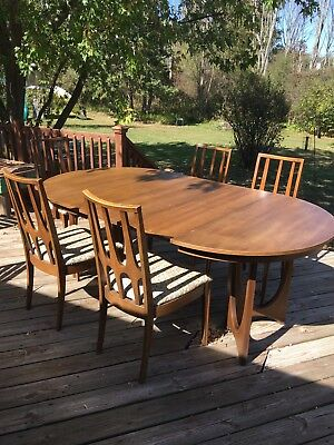 MCM Broyhill Brasilia Pedestal Dining Table 3 Leafs & 5 Chairs