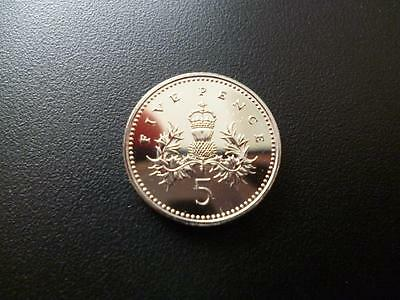 2000 Brilliant Uncirculated Five Pence Piece. 2000 5P Coin Uncirculated Coin.