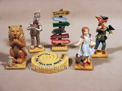 Wizard of Oz 6 Design Mini Figurines  Mini World Garden