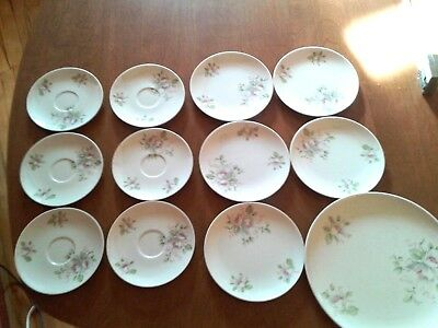 12 pcs Melamineware saucers/small/dinner plates White with flowers/blossoms