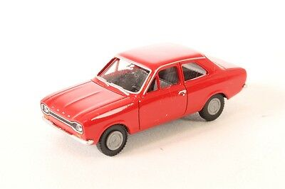WIKING HO scale FORD ESCORT ~ FULLY ASSEMBLED in RED!