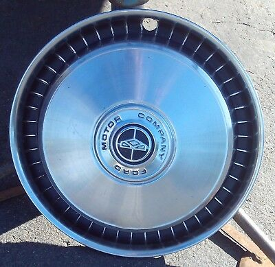 """FORD Motor Company 15"""" Hubcap"""