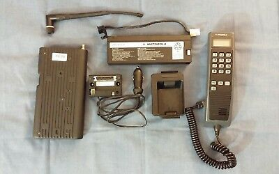 Vintage 1980's Portable Motorola Cellular Phone SCN2472A W/Case and Accessories