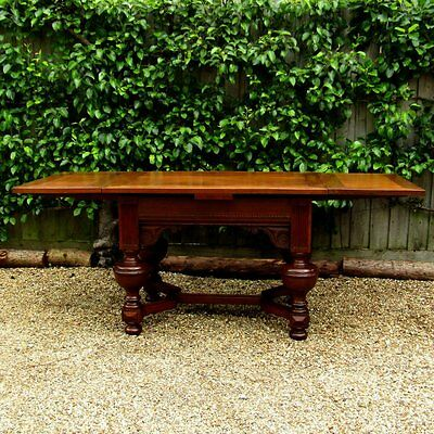 18th Century Oak Withdrawing Table .