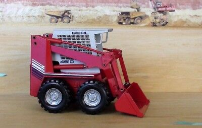 Gehl Skid Loader Model 4610 Bobcat Scale 1/25 Diecast New Nzg