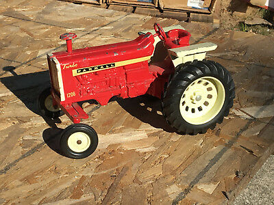 Vintage 1960's FARMALL 1206 Turbo Toy Tractor 1:16th Scale ERTL Old Toy Tractor