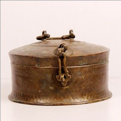 1850S Indian Antique Hand Crafted Engraved Brass Betel Nuts Box Big 6590