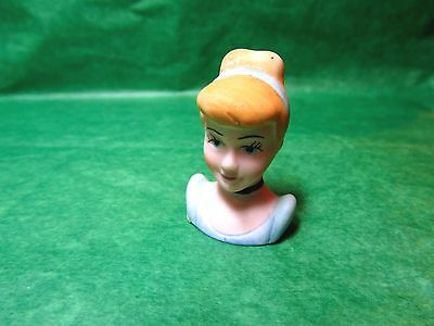 Vintage 1988 The Disney Collection Cinderella Bisque Thimble (T214)